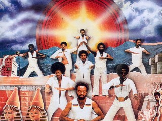 Earth Wind & Fire – Sing A Song [Derek Kaye Rework]
